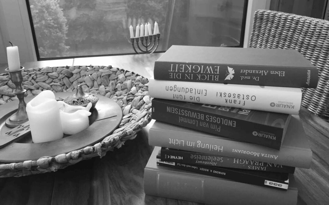 12 Bücher und Deine Angst vor dem Tod reduziert sich schlagartig