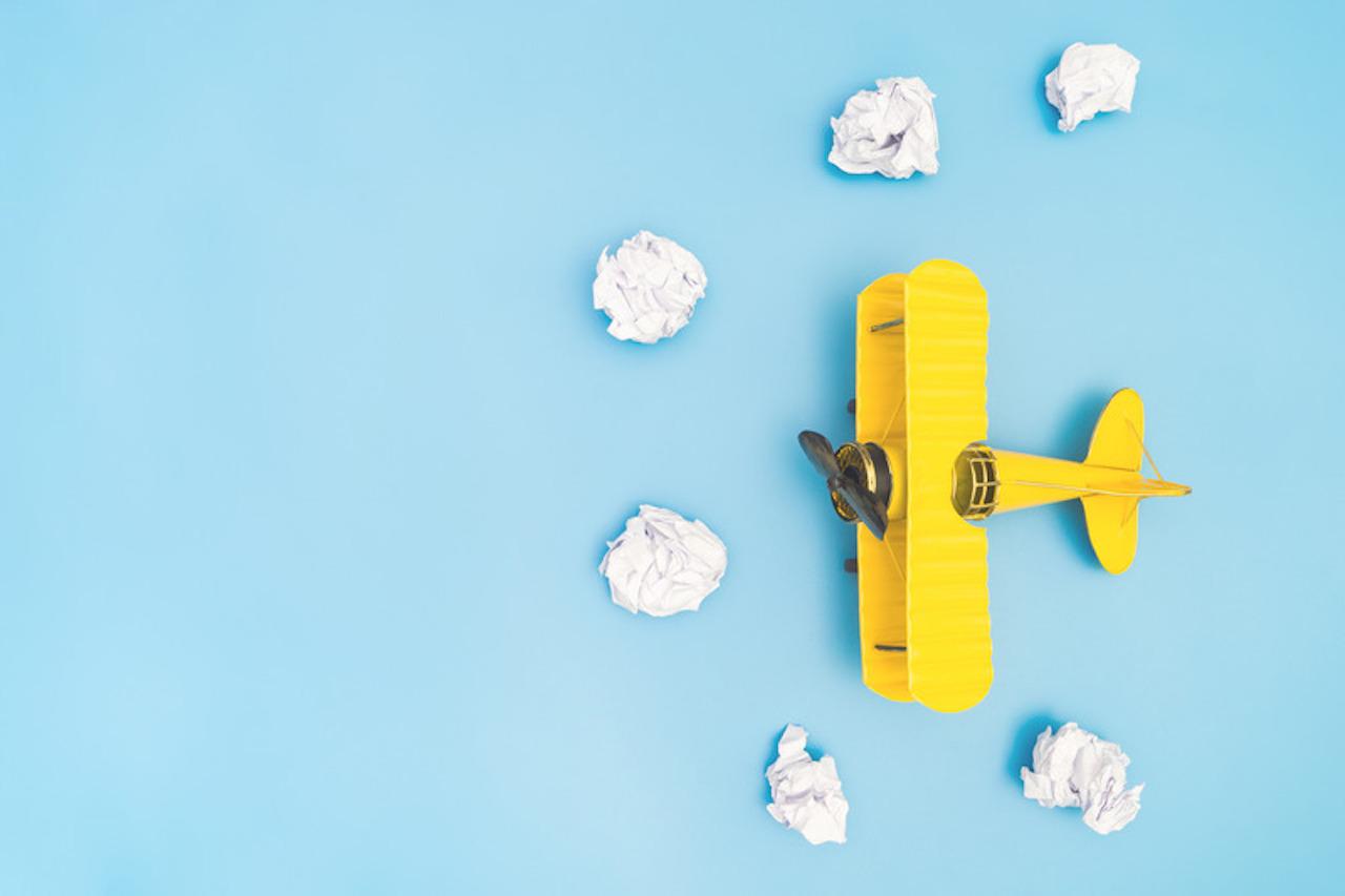 Überzeugungen - gelbes Flugzeug
